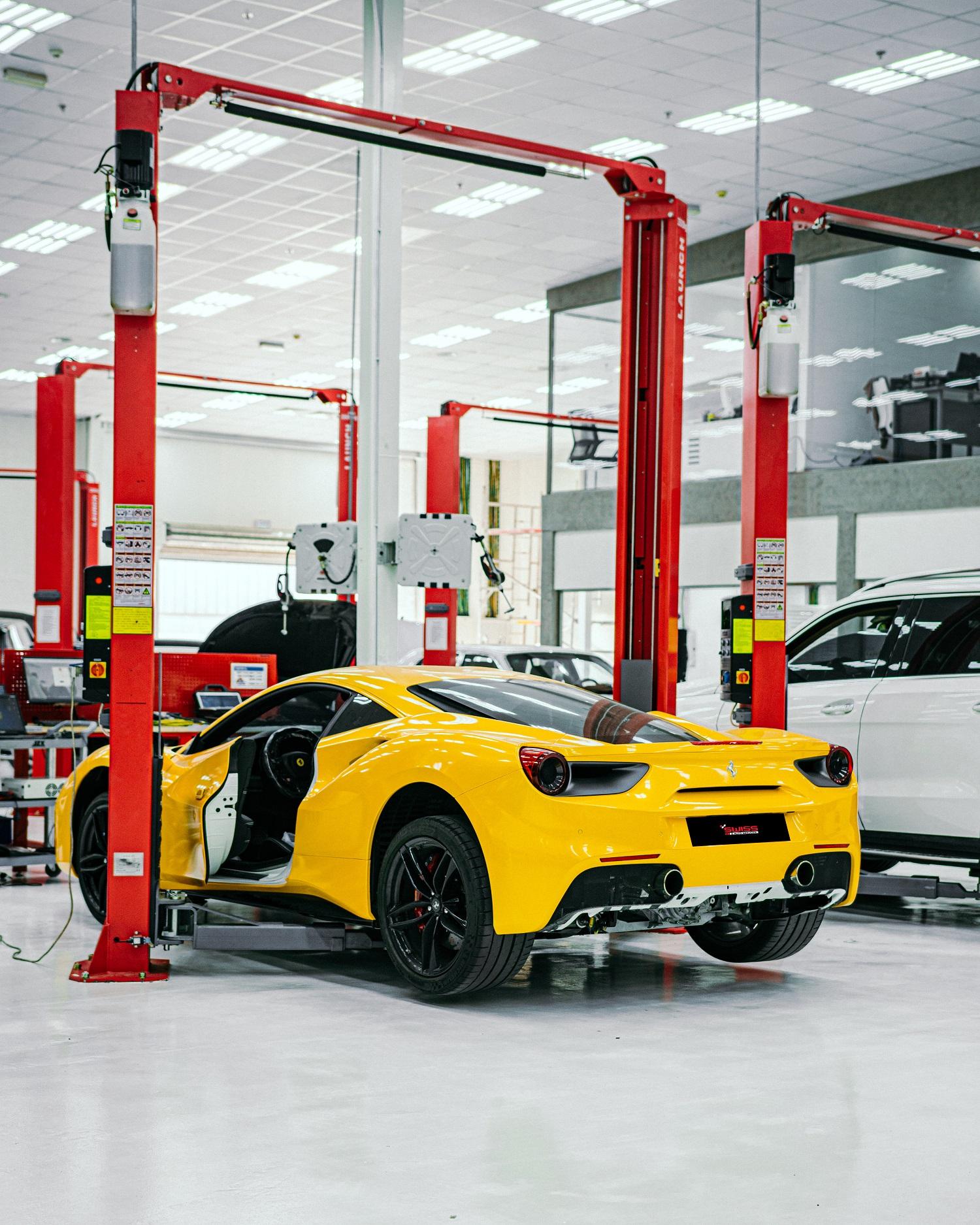 ورشة 'رويال سويس لخدمات السيارات'